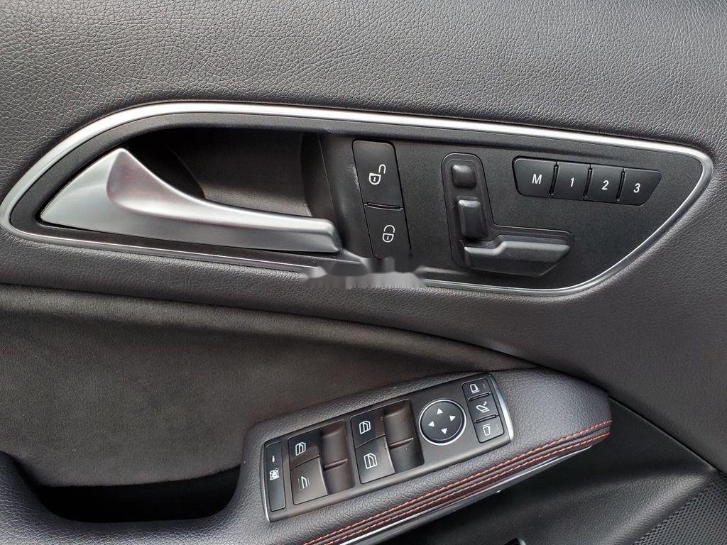 Cần bán lại xe Mercedes GLA250 4Matic năm sản xuất 2016, màu trắng, nhập khẩu  (10)