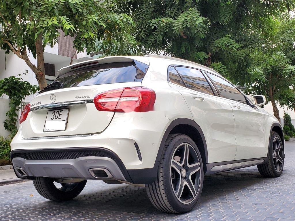 Cần bán lại xe Mercedes GLA250 4Matic năm sản xuất 2016, màu trắng, nhập khẩu  (4)