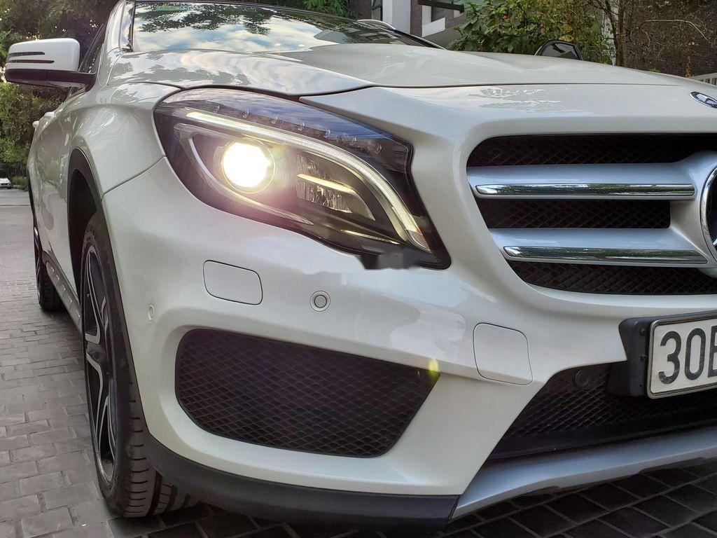Cần bán lại xe Mercedes GLA250 4Matic năm sản xuất 2016, màu trắng, nhập khẩu  (3)