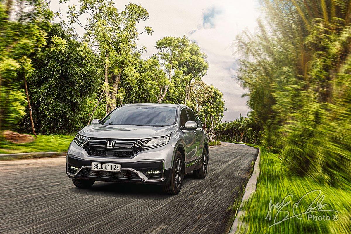 Người dùng chủ yếu cảm nhận sự khác biệt về khả năng vận hành trên Honda CR-V L 2020-2021 thông qua các hệ thống an toàn.