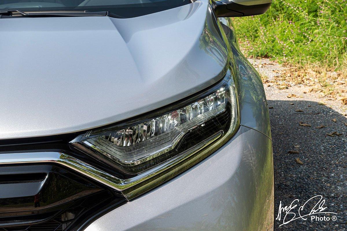 Cụm đèn pha LED có tính năng tự động thích ứng trên Honda CR-V L 2020-2021.