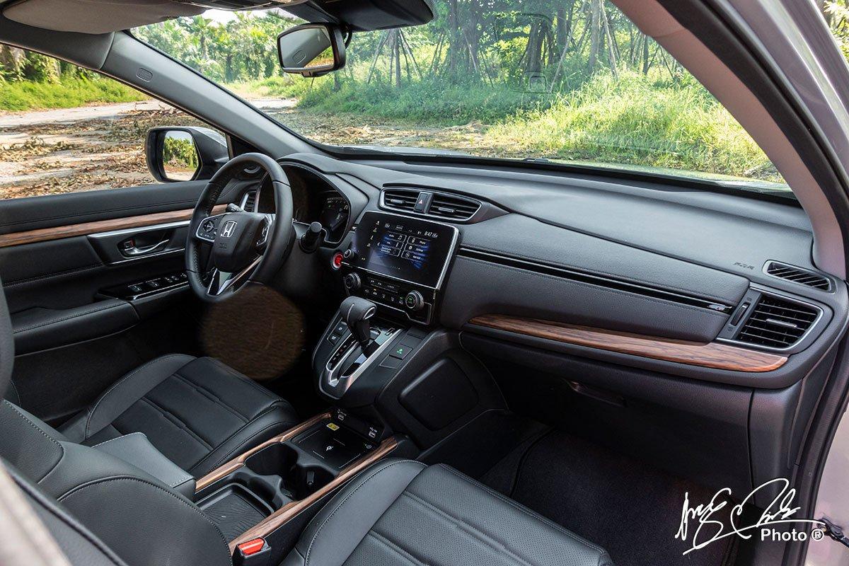 Nội thất của Honda CR-V L 2020-2021 không có nhiều sự mới mẻ trong thiết kế 1.
