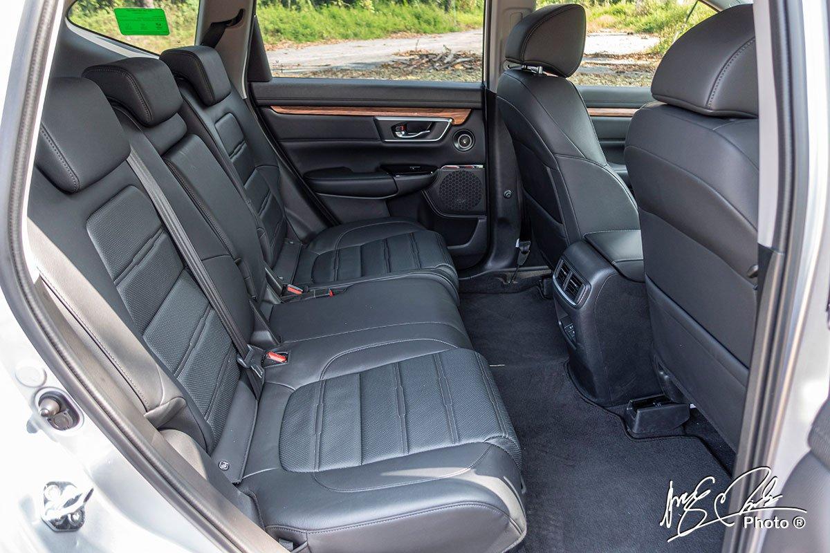 Hàng ghế thứ 2 trên Honda CR-V L 2020-2021.