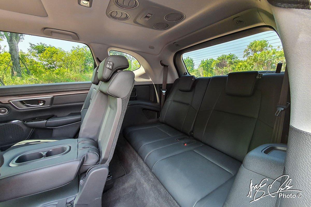 Hàng ghế thứ 3 trên Honda CR-V L 2020-2021 chỉ phù hợp với trẻ nhỏ.