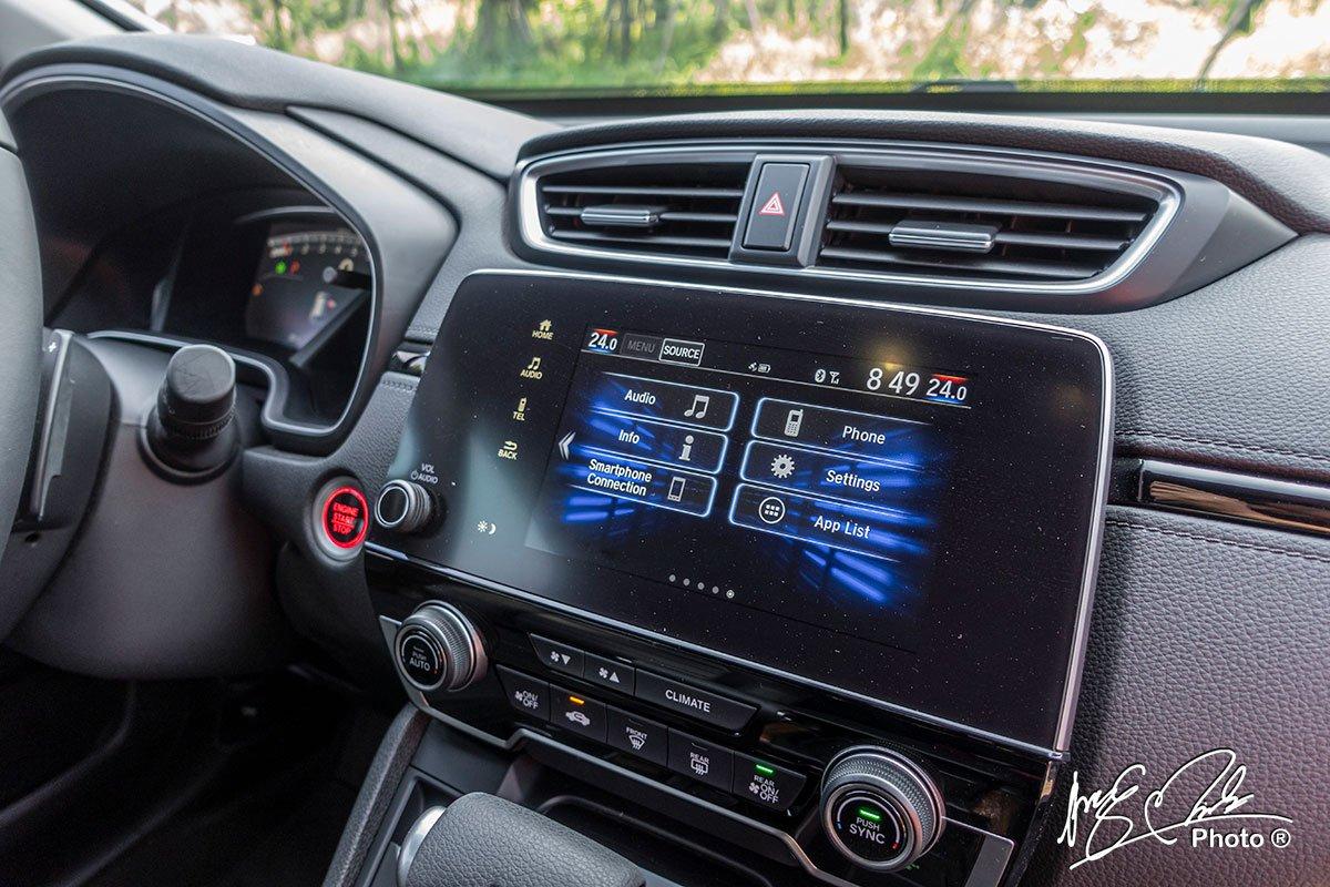 Màn hình cảm ứng 8 inch tích hợp Android Auto và Apple CarPlay trên Honda CR-V L 2020-2021.