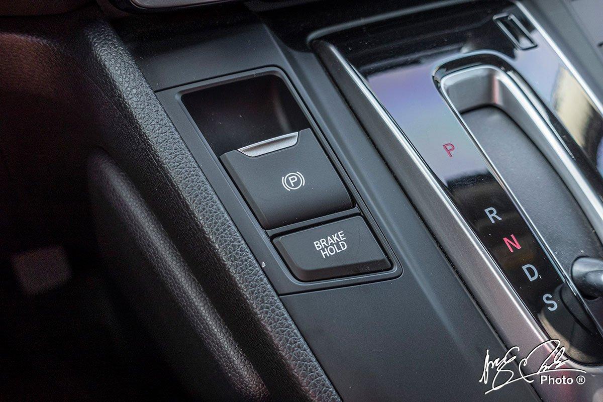 Phanh tay điện tử và giữ phanh tự động thêm trên Honda CR-V L 2020-2021.