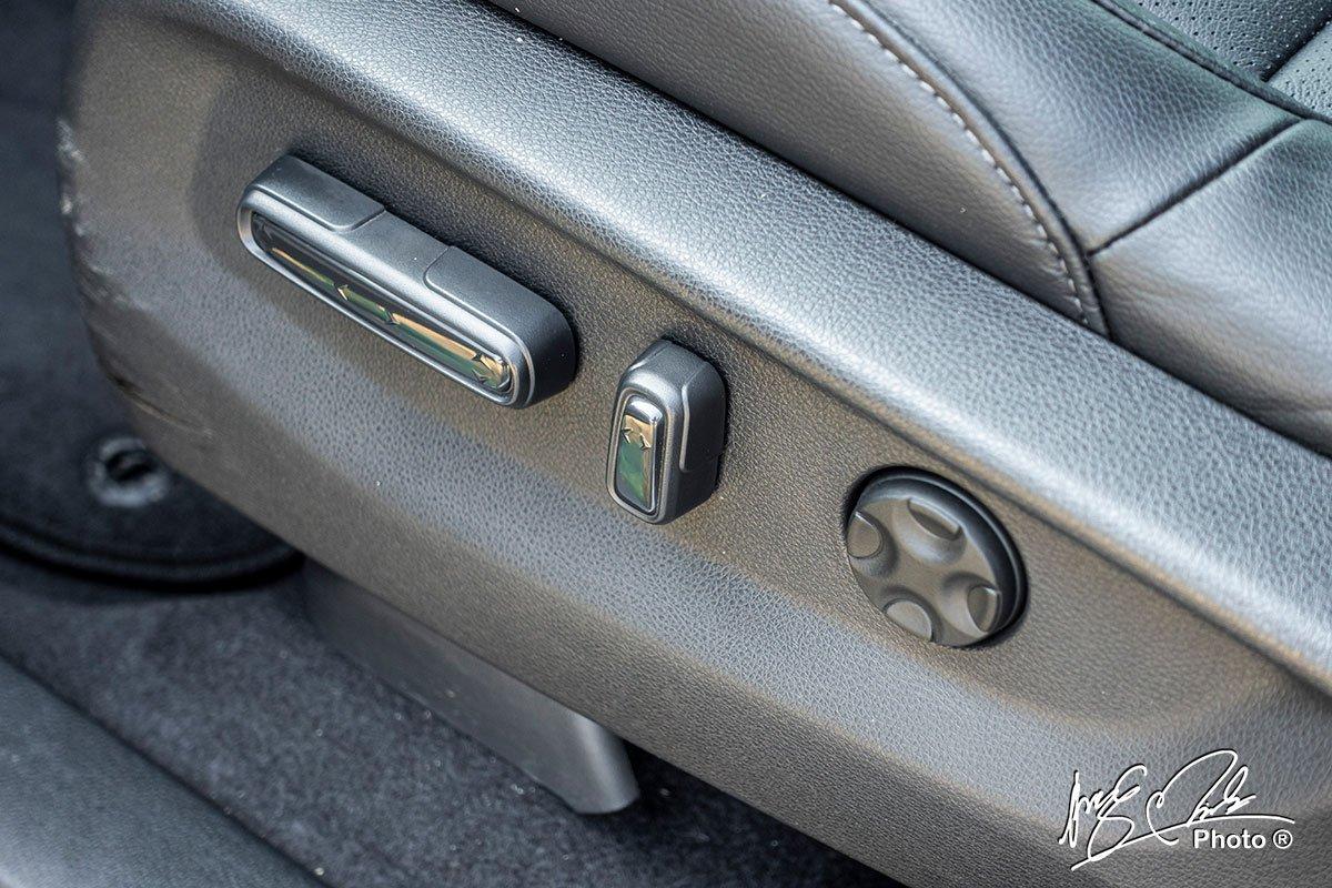 Ghế lái chỉnh điện 8 hướng trên Honda CR-V L 2020-2021.