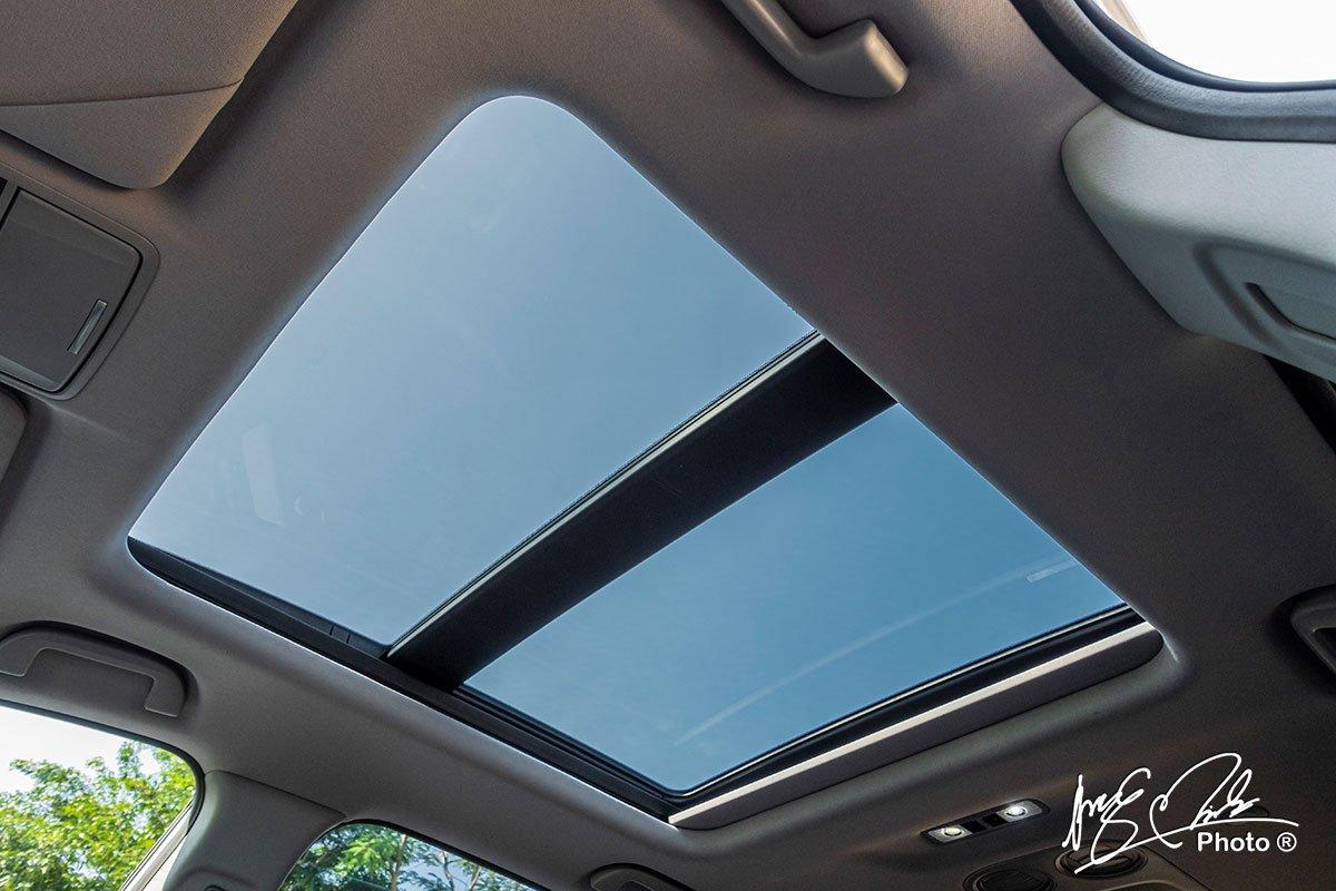 Cửa sổ trời toàn cảnh trên Honda CR-V L 2020-2021.