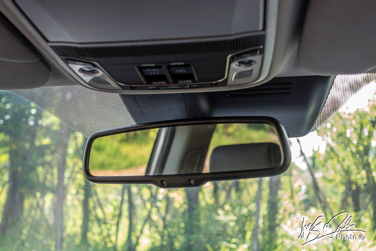Gương chống chói tự động trên Honda CR-V L 2020-2021.
