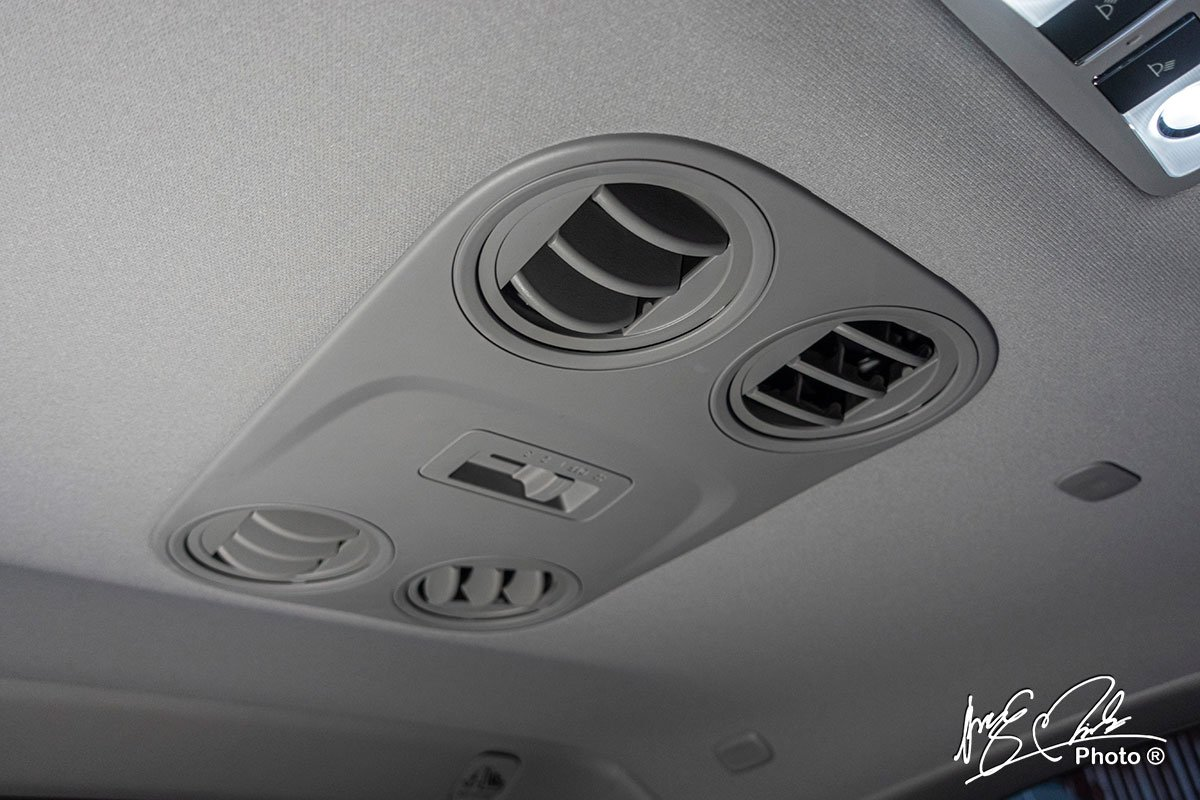 Cửa gió trần xe cho hàng ghế 2 và 3 trên Honda CR-V L 2020-2021.