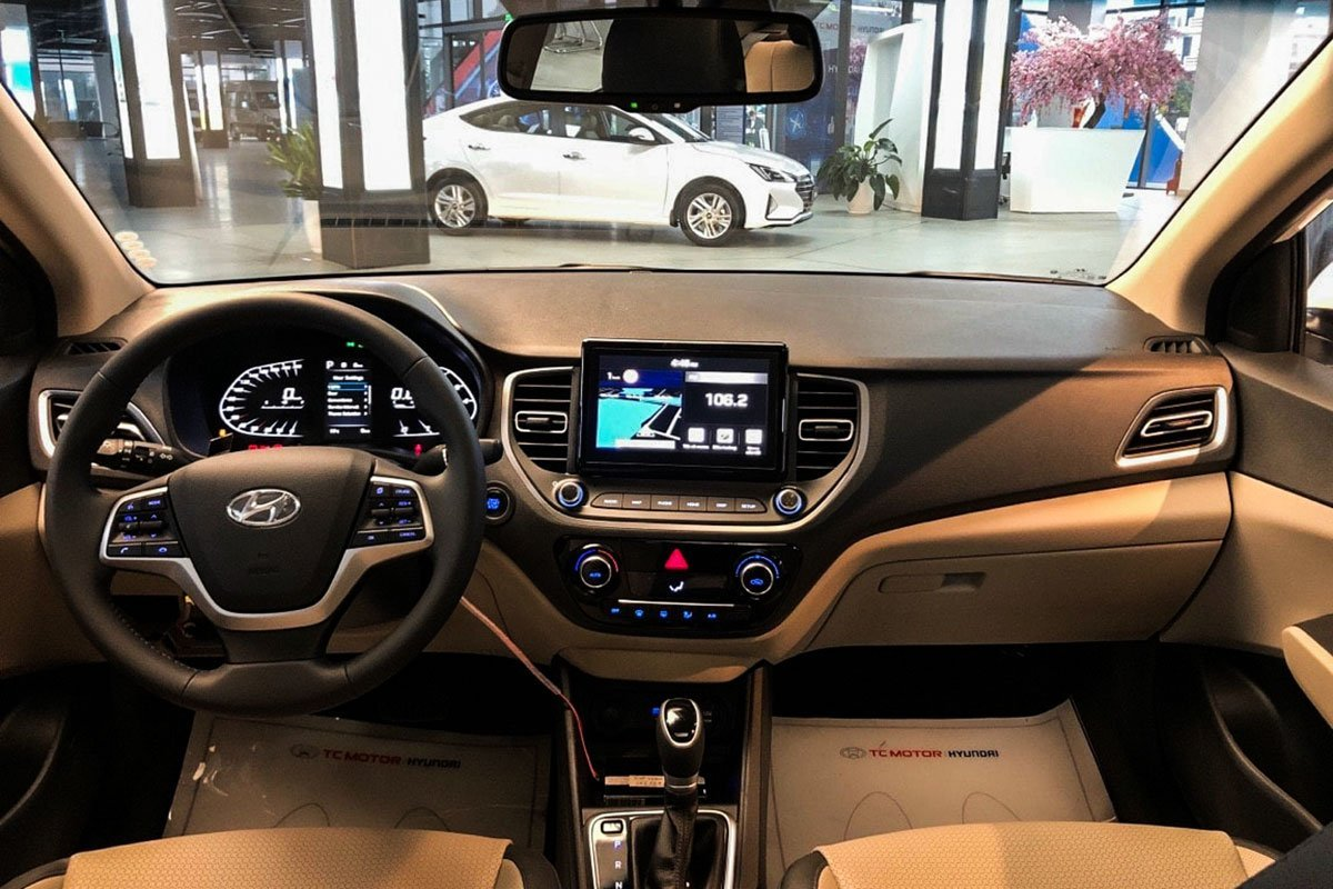 Khoang nội thất xe Hyundai Accent 2021 1