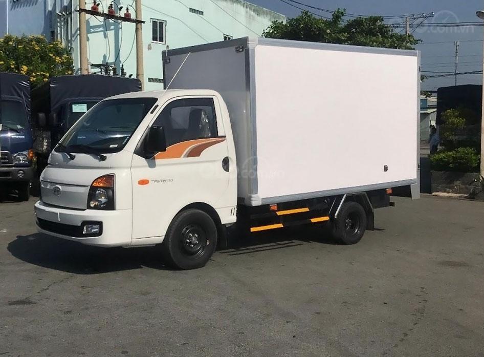 Xe Hyundai Porter H150 tải trọng cho phép 1,5 tấn (1)