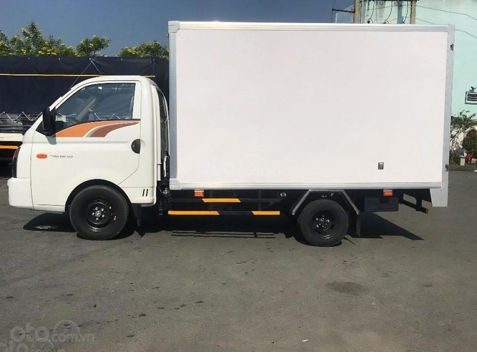 Xe Hyundai Porter H150 tải trọng cho phép 1,5 tấn (4)