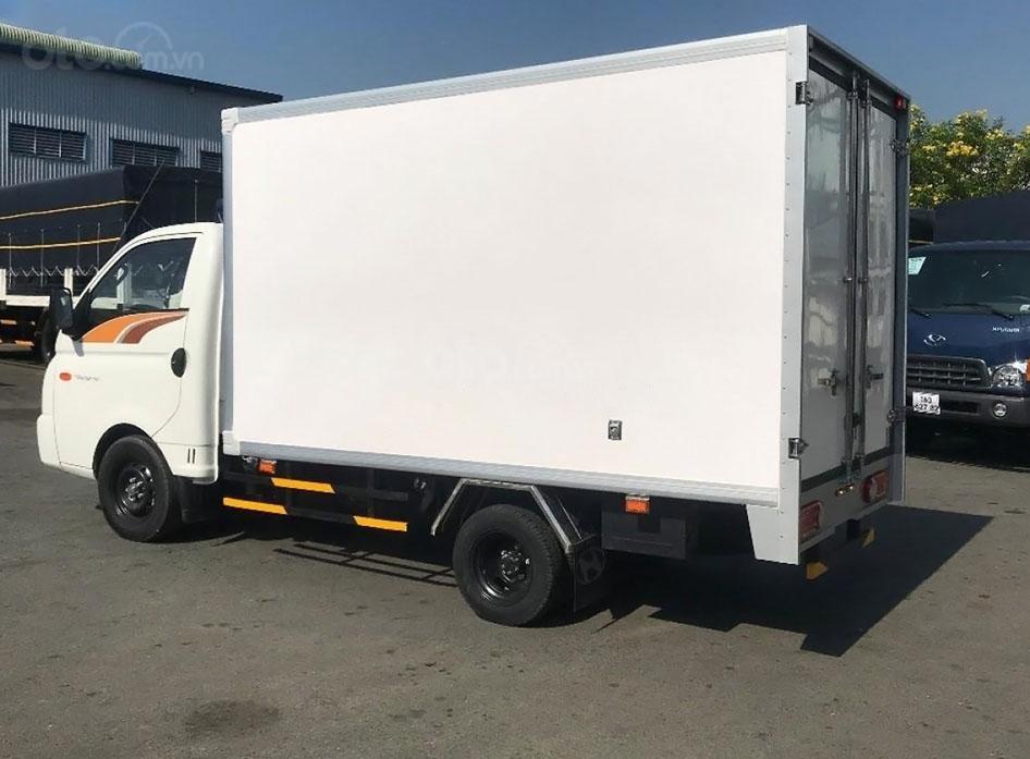 Xe Hyundai Porter H150 tải trọng cho phép 1,5 tấn (2)