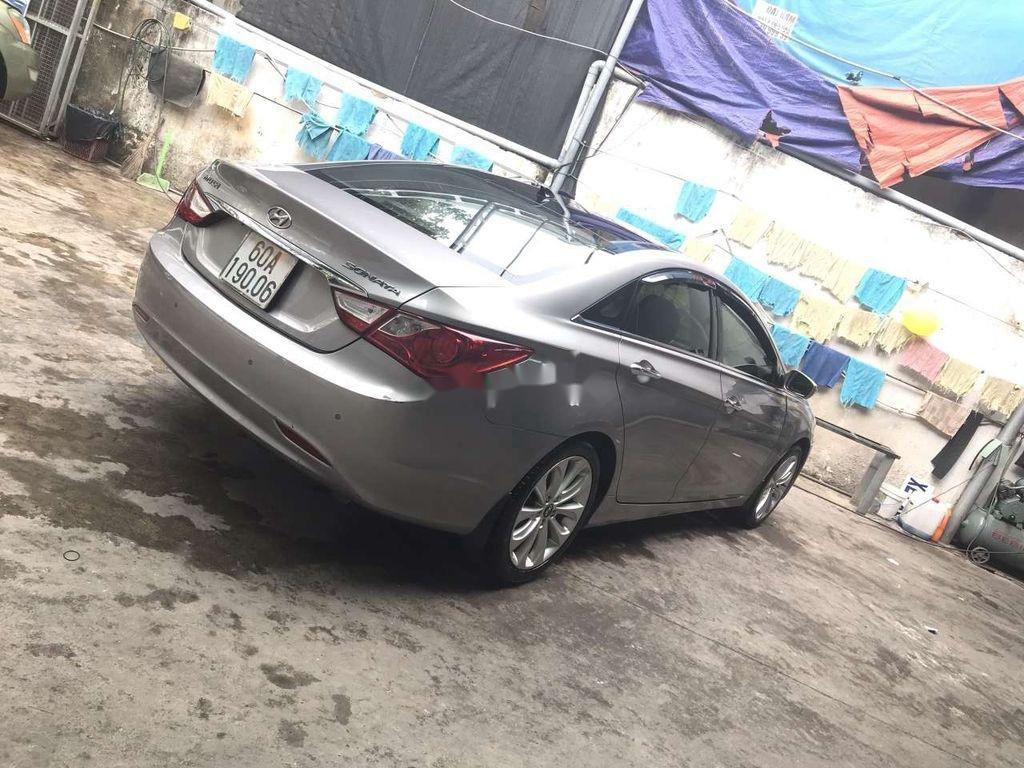 Bán Hyundai Sonata năm sản xuất 2011 còn mới (2)