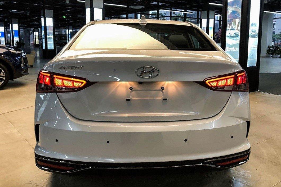 Thiết kế ngoại thất Hyundai Accent 2021 1