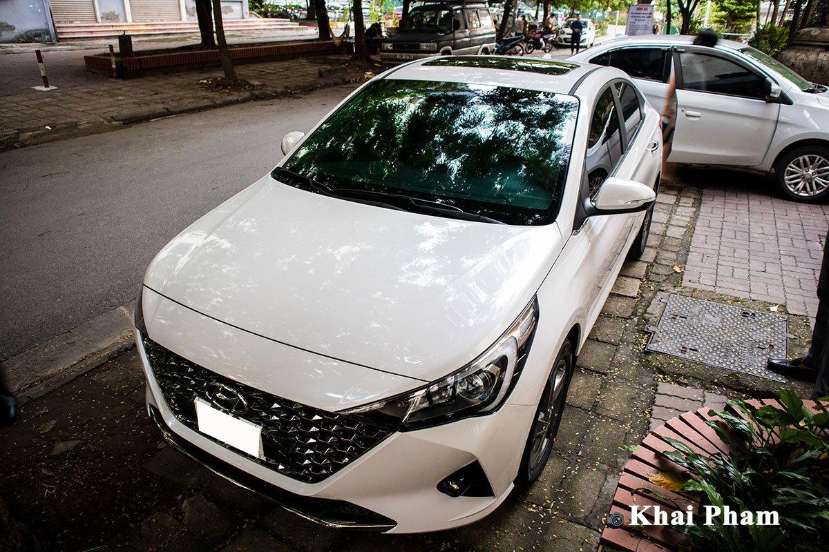 Lộ rõ hình ảnh Hyundai Accent 2021 tại Việt Nam: Đẹp, hiện đại gây áp lực lên Toyota Vios  a1c