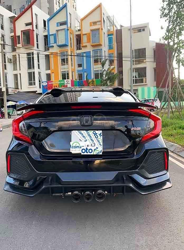 Cần bán gấp Honda Civic năm sản xuất 2019, màu đen, nhập khẩu nguyên chiếc còn mới (2)