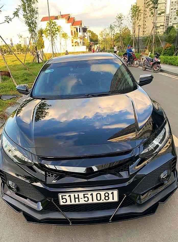 Cần bán gấp Honda Civic năm sản xuất 2019, màu đen, nhập khẩu nguyên chiếc còn mới (1)