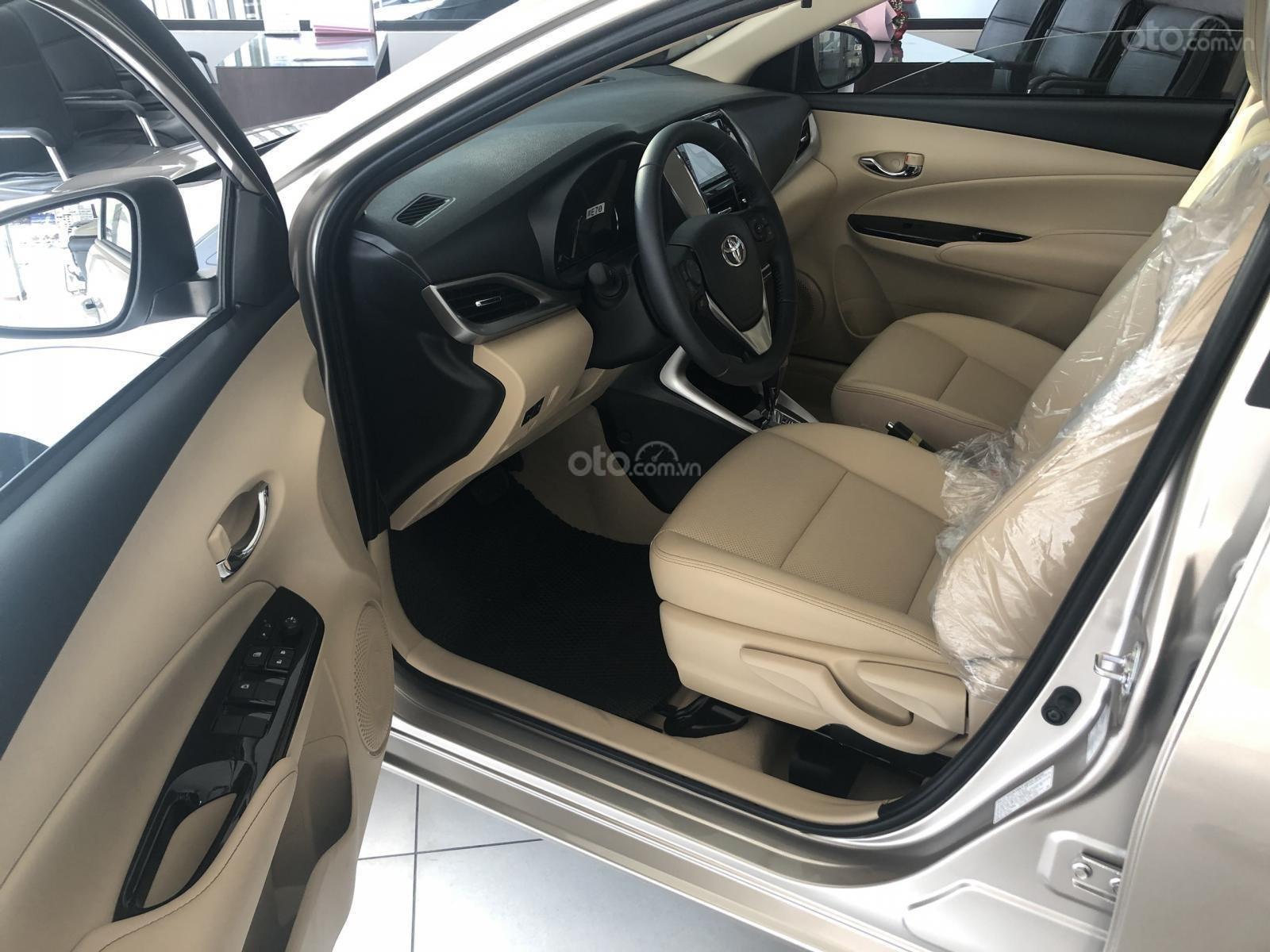 Toyota Vios 2020 còn 30 ngày giảm phí trước bạ 50%, KM tiền mặt kèm tặng phụ kiện, giao xe ngay (6)