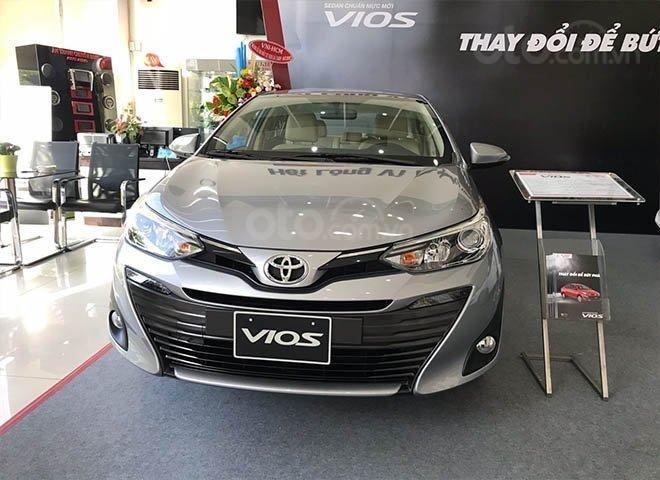 Toyota Vios 2020 còn 30 ngày giảm phí trước bạ 50%, KM tiền mặt kèm tặng phụ kiện, giao xe ngay (1)