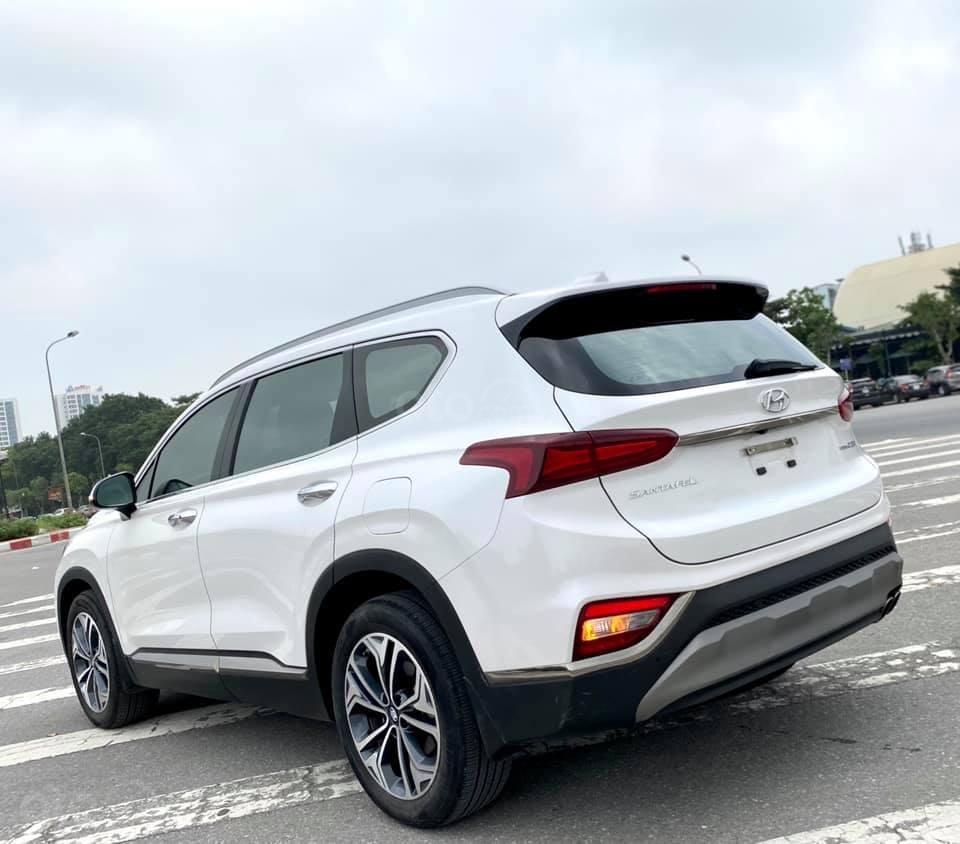 Cần bán nhanh chiếc Hyundai Santafe máy dầu đặc biệt đời 2019 giao nhanh (4)