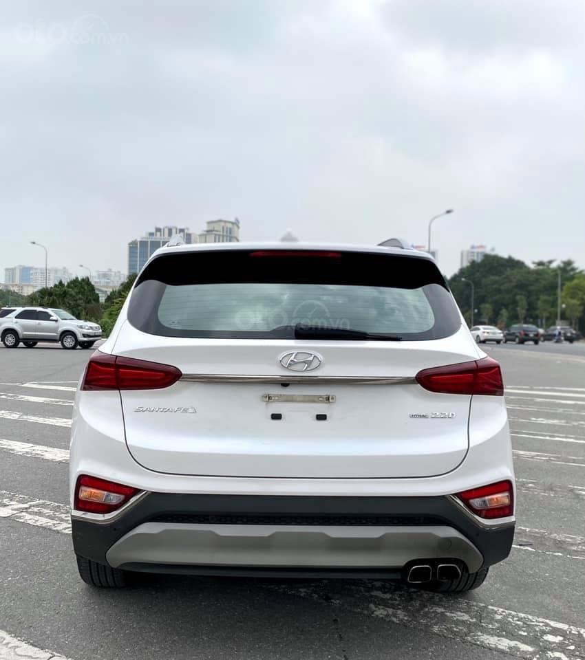 Cần bán nhanh chiếc Hyundai Santafe máy dầu đặc biệt đời 2019 giao nhanh (2)