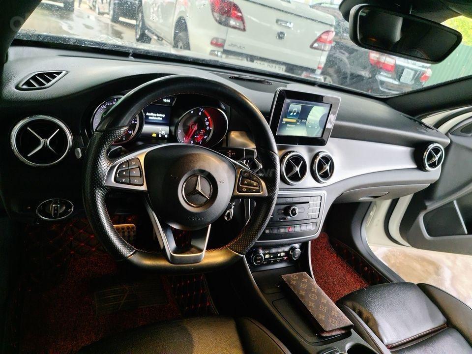 Cần bán xe Mercedes Benz GLA 250 4Matic đời 2015 (3)