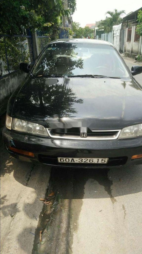 Cần bán xe Honda Accord đời 1997, màu đen, xe nhập chính chủ  (1)