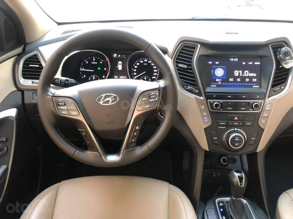 Cần bán Hyundai Santa Fe đời 2018, màu trắng (4)