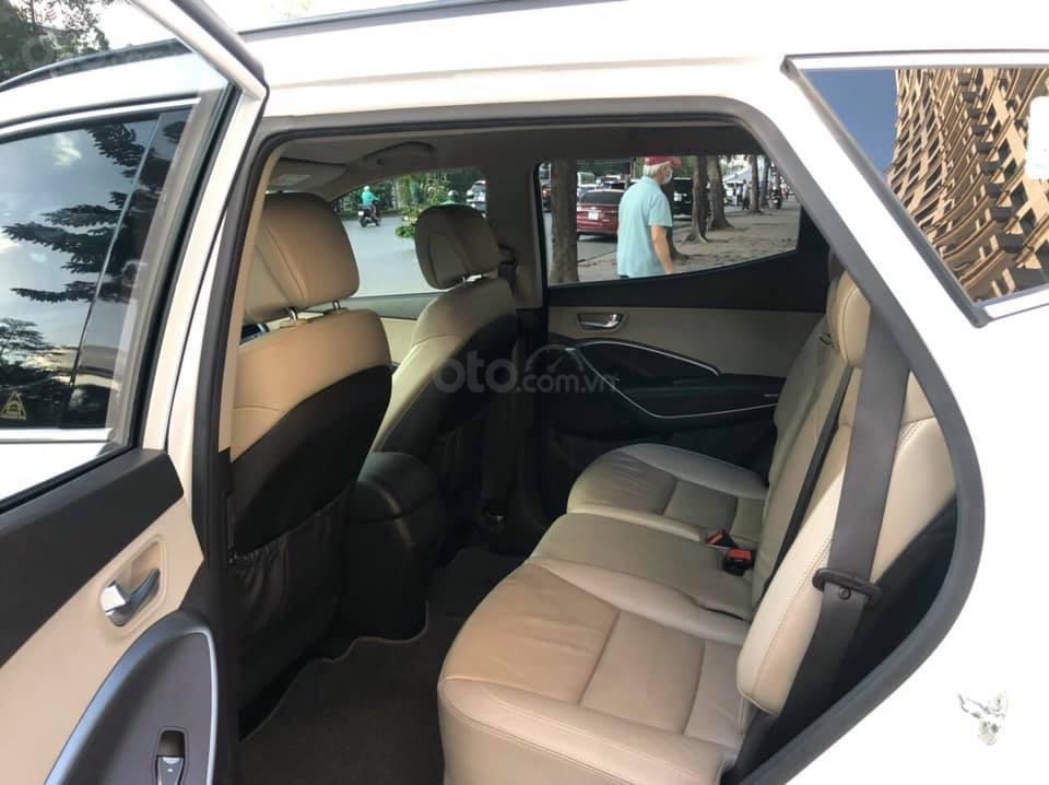 Cần bán Hyundai Santa Fe đời 2018, màu trắng (6)