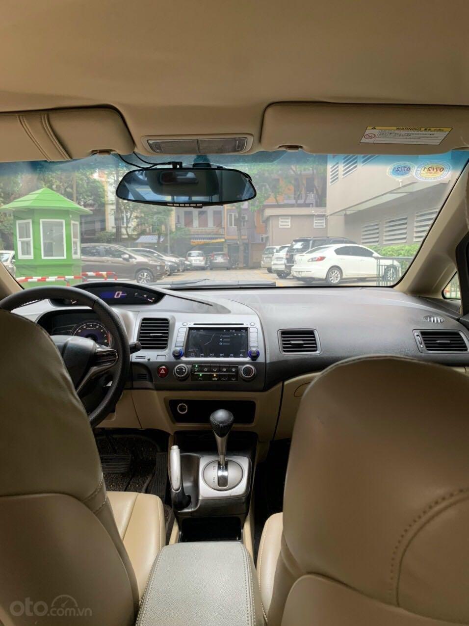 Cần bán Honda Civic đời 2008, màu ghi xám, chính chủ giá 295tr (6)