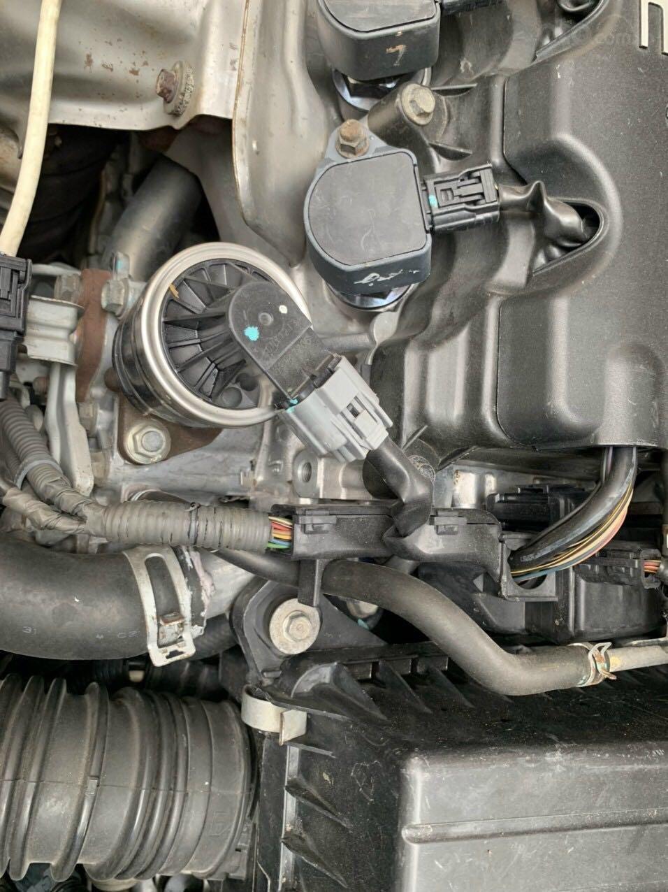 Cần bán Honda Civic đời 2008, màu ghi xám, chính chủ giá 295tr (8)