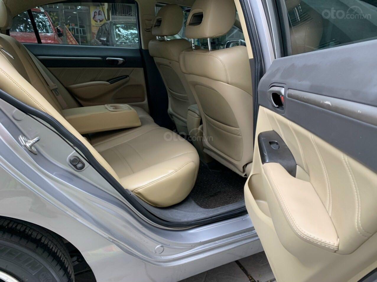 Cần bán Honda Civic đời 2008, màu ghi xám, chính chủ giá 295tr (9)