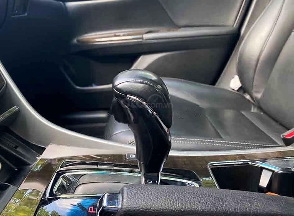 Bán Honda Accord năm sản xuất 2014, màu đen, nhập khẩu nguyên chiếc còn mới (3)