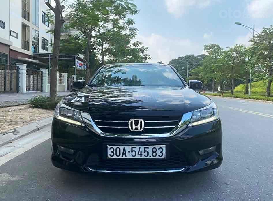 Bán Honda Accord năm sản xuất 2014, màu đen, nhập khẩu nguyên chiếc còn mới (4)