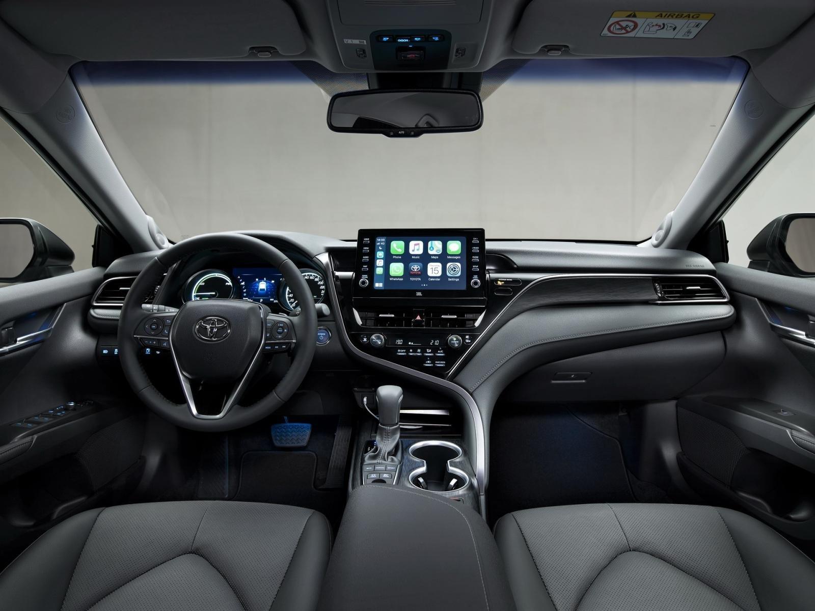 Khoang cabin xe Toyota Camry Hybrid 2021 1