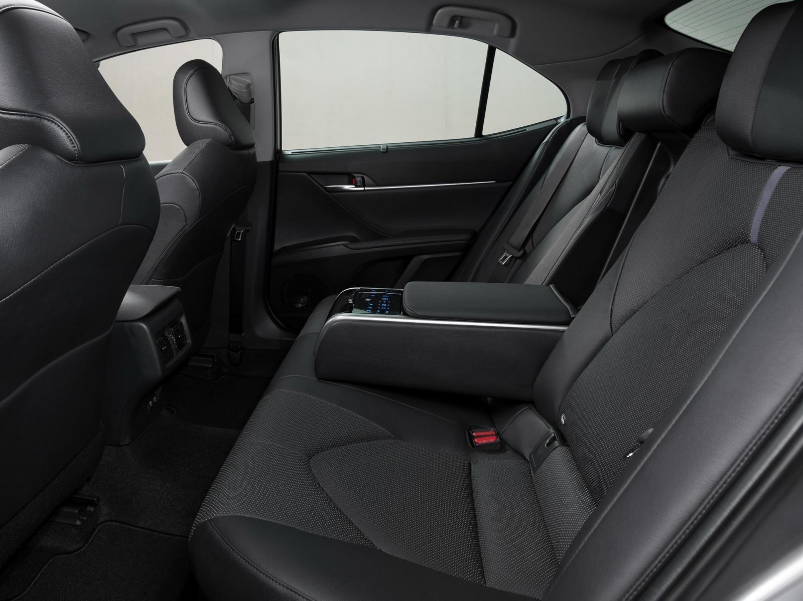 Ghế ngồi xe Toyota Camry Hybrid 2021 1