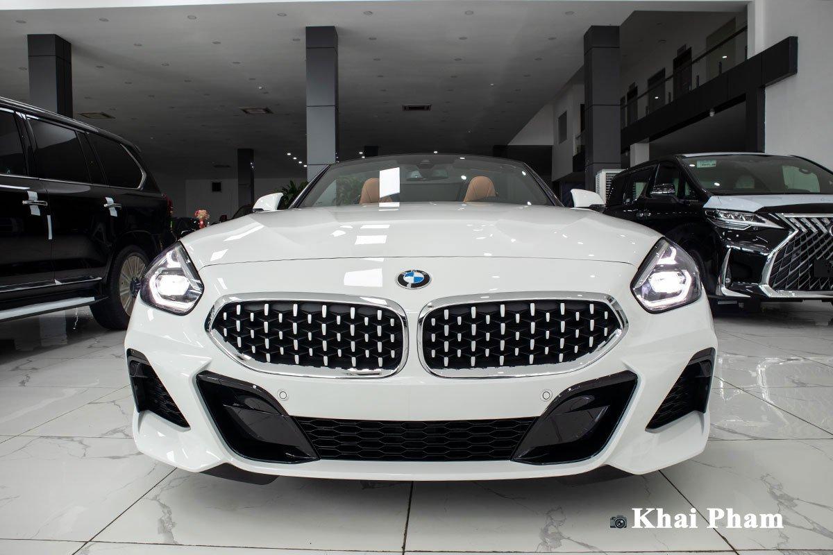 Ảnh chính diện đầu xe BMW Z4 2021
