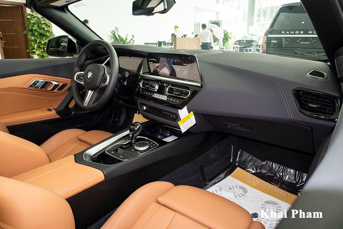 Ảnh chính diện Khoang lái xe BMW Z4 2021