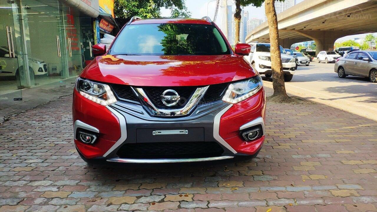 Cần bán gấp Nissan X trail đăng ký lần đầu 2018, màu đỏ ít sử dụng, giá thương lượng (1)