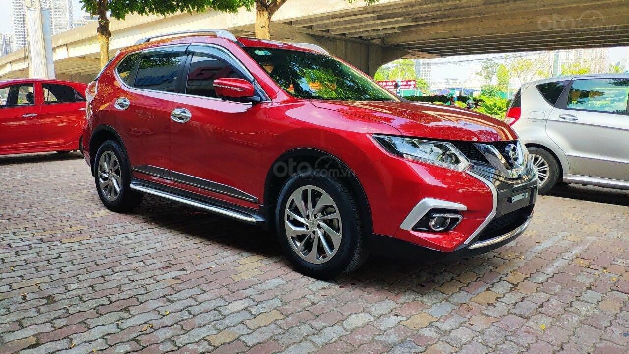Cần bán gấp Nissan X trail đăng ký lần đầu 2018, màu đỏ ít sử dụng, giá thương lượng (2)
