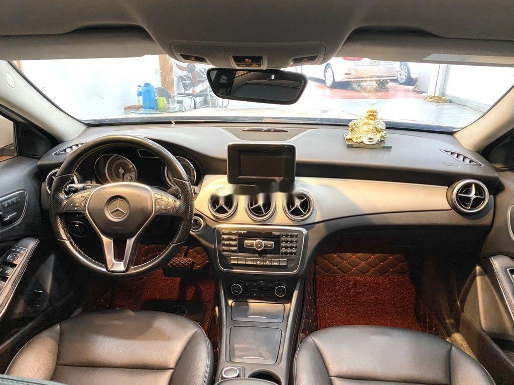 Cần bán xe Mercedes GLA-Class sản xuất 2017 còn mới (12)