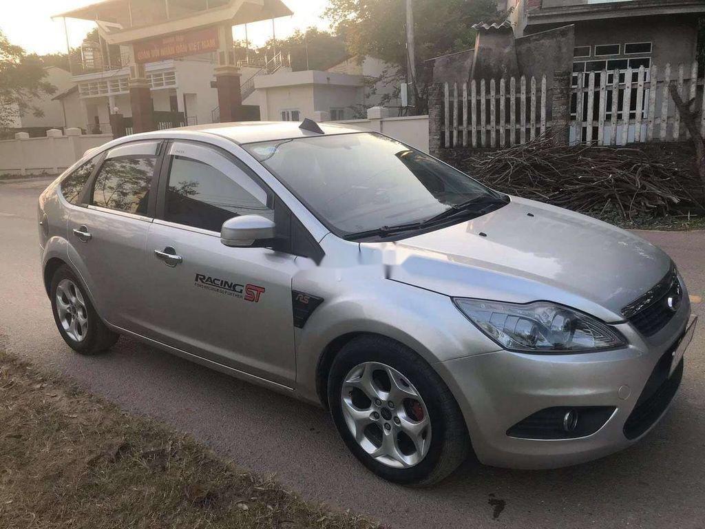 Cần bán xe Ford Focus sản xuất 2010, màu bạc chính chủ, 263 triệu (2)