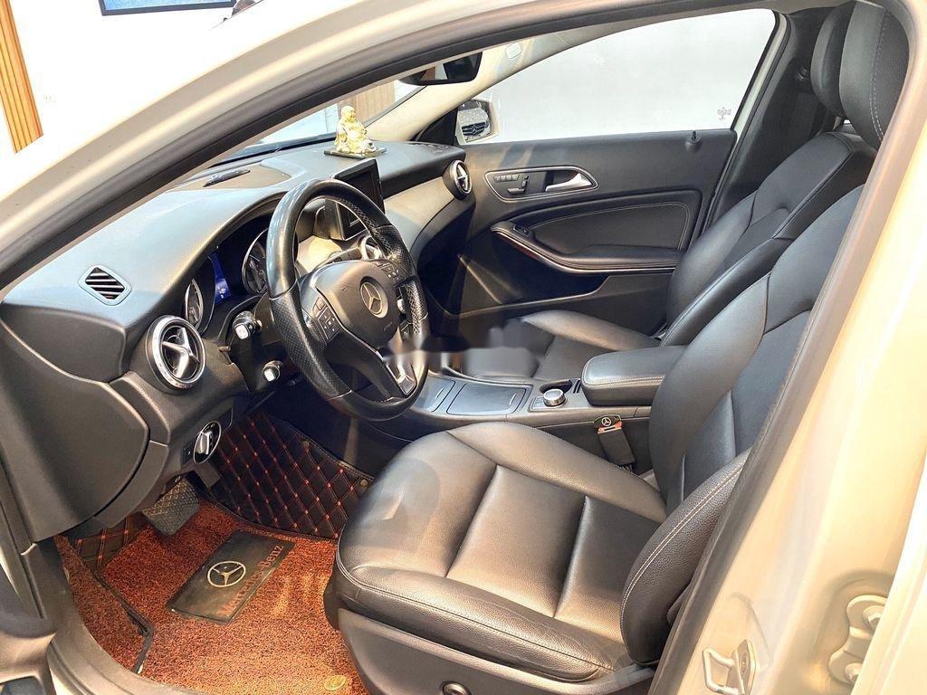 Cần bán xe Mercedes GLA-Class sản xuất 2017 còn mới (6)