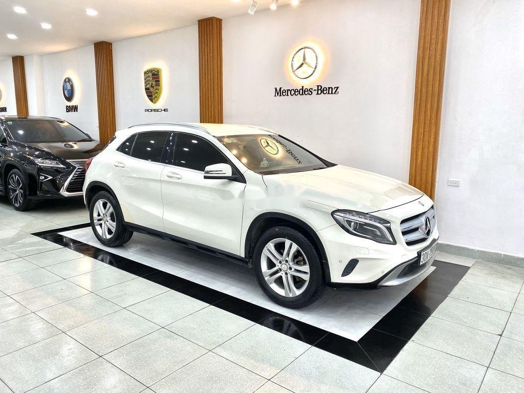 Cần bán xe Mercedes GLA-Class sản xuất 2017 còn mới (3)