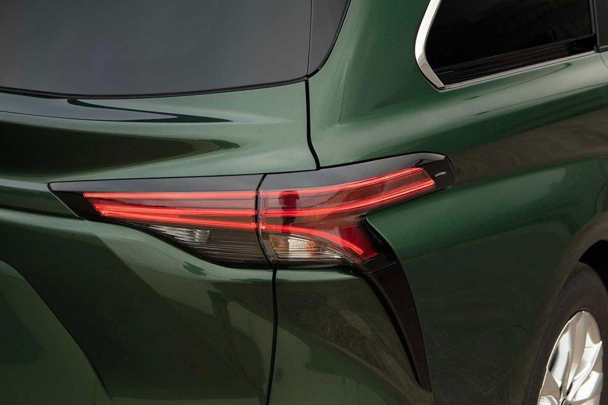 Ảnh Đèn hậu xe Toyota Sienna 2021