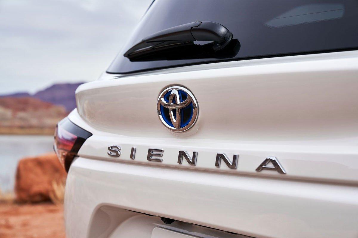 Ảnh tên xe Toyota Sienna 2021