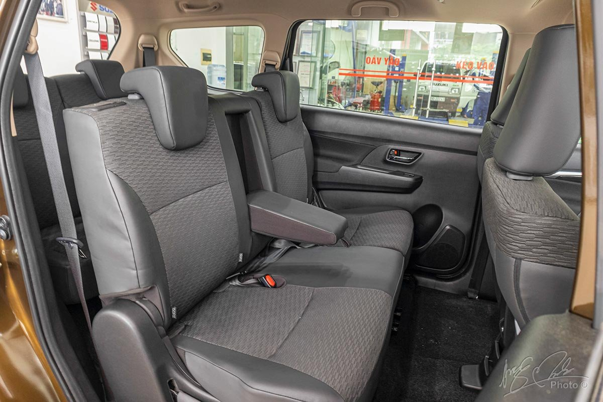 Nội thất Suzuki XL7.