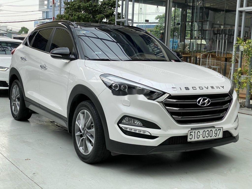 Cần bán gấp Hyundai Tucson năm sản xuất 2018, màu trắng (1)